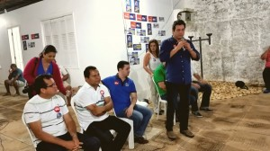 Maurício Quintela falando para o público. Foto: Boa Informação