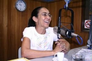 Heloísa Helena nos estúdios da Penedo FM (Foto Arquivo: Aquiacontece)