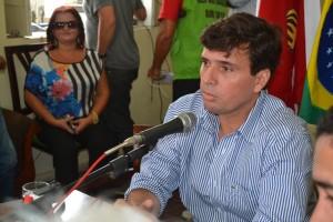 Prefeito Március Beltrão em entrevista coletiva. Foto: Boainformacao.com.br