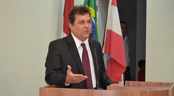Vereador Cidoca discussando / Foto / Arquivo Boa Informação