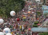 Pinto da Madrugada atrai cerca de 100 mil pessoas na Orla de Maceió