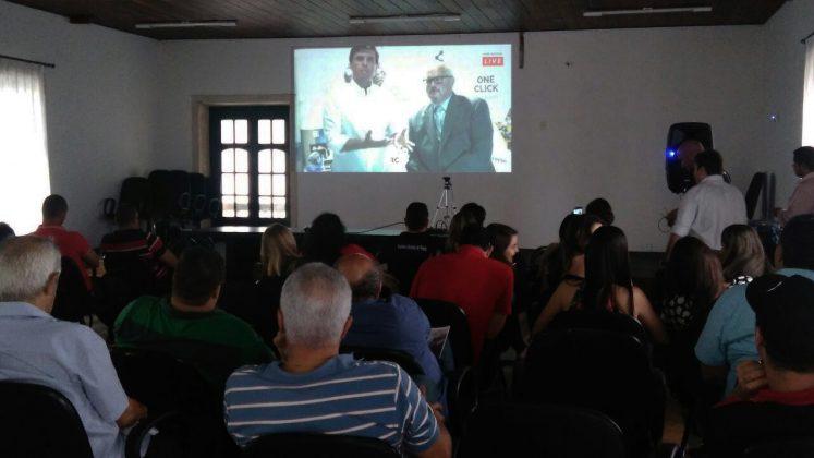 Prefeito de Penedo ao lado do Presidente do MARC Institute, participando da transmissão ao vivo em Miami.