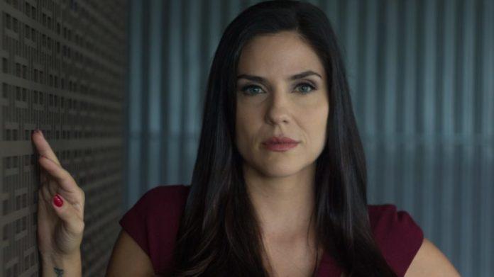 Karin (Rafaela Mandelli) na última temporada de O Negócio