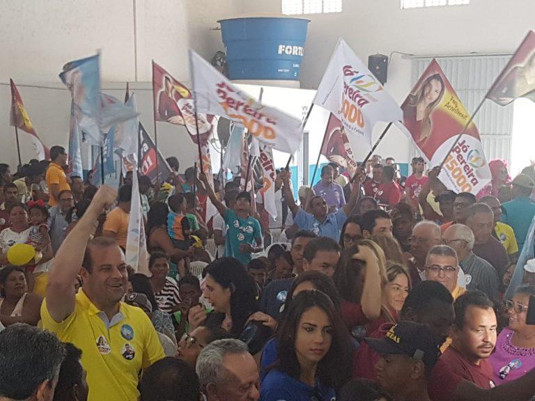 Ex-prefeito Dalmo Santana Jr reúne multidão em ato político realizado em Piaçabuçu