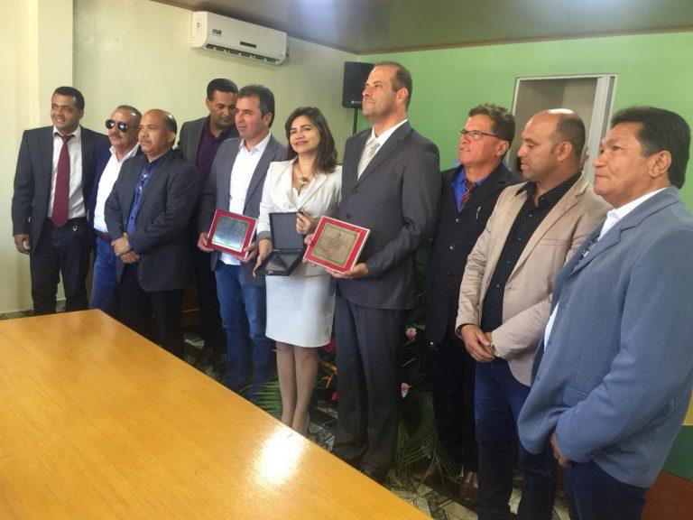 Durante sessão especial, Dalmo Santana Jr recebeu título de cidadão de Feliz Deserto