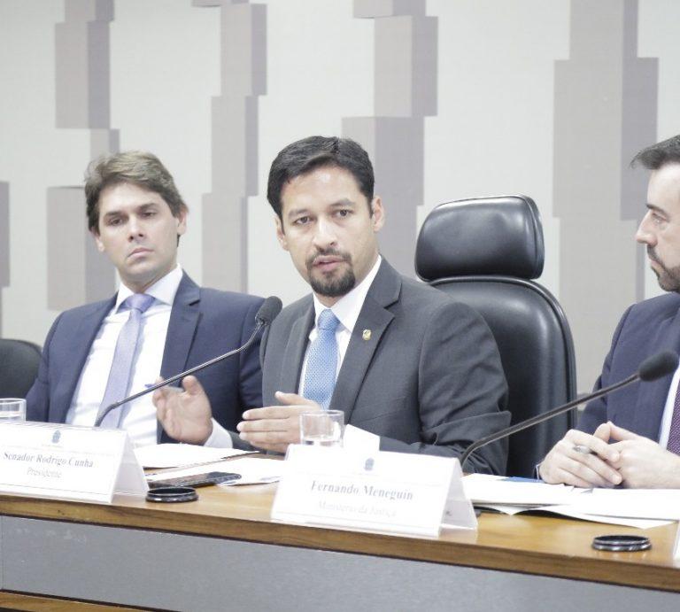 Rodrigo Cunha apura crédito abusivo a aposentados do INSS
