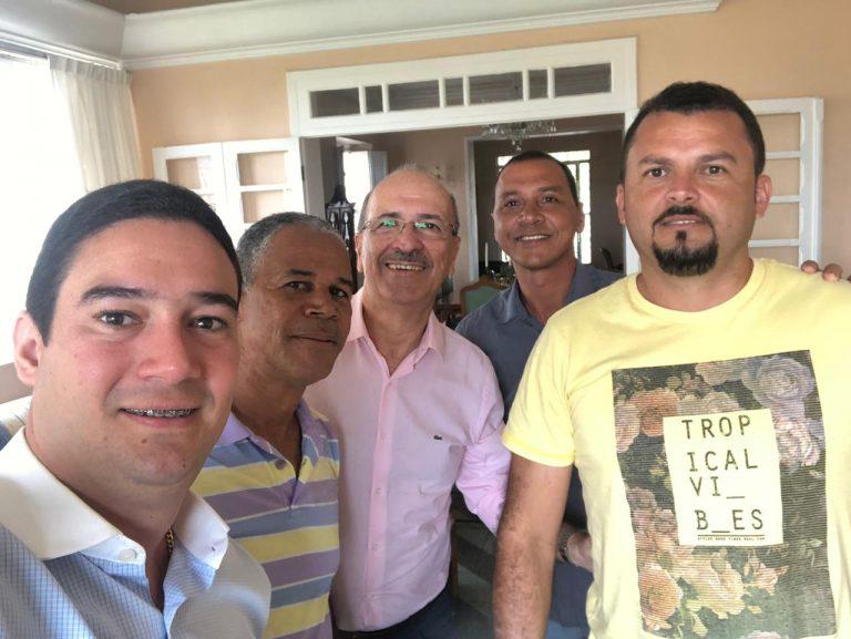 Presidente da Câmara e mais 3 vereadores abraçam pré-candidatura de Ronaldo Lopes em Penedo