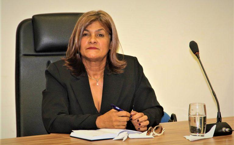 Secretaria de Saúde de Penedo esclarece cobranças da vereadora Raquel Tavares