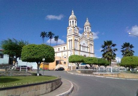 Oposição ensaia união em Igreja Nova para enfrentar reeleição da prefeita Vera Dantas
