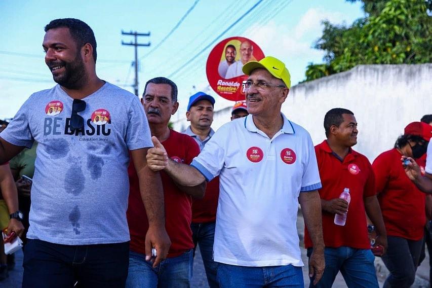 João Lucas e Ronaldo Lopes em caminhada. Foto: Arquivo/Assessoria