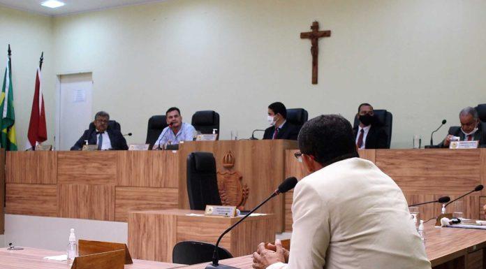 Secretário de Saúde presta contas na Câmara Municipal de Penedo (Foto Fernando Vinícius/Ascom CMP)
