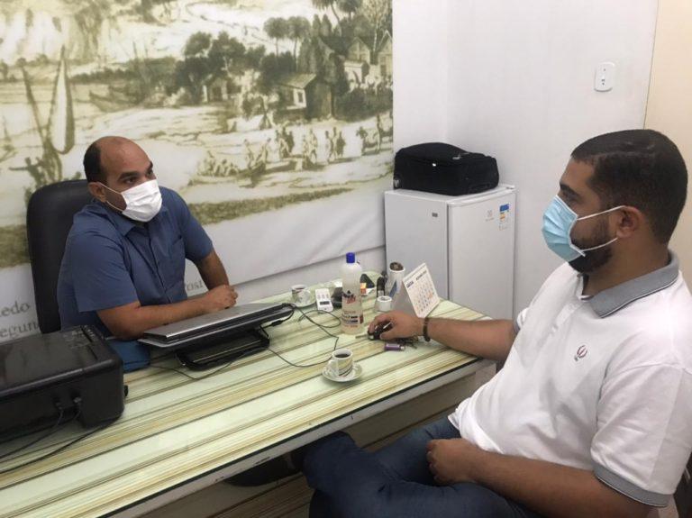 Vereador Denys Reis visita órgãos públicos e destaca otimização dos serviços